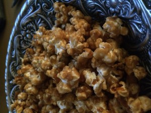 Cinnamon Vanilla Caramel Pop Corn